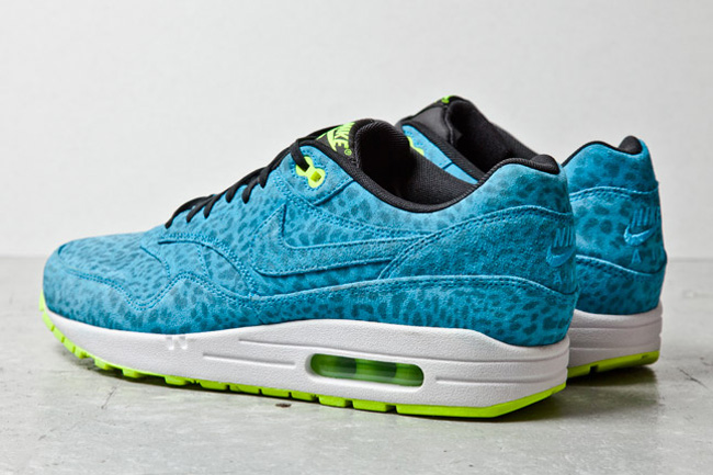 nike-air-max-1-fb-blue-leopard-3-1-1