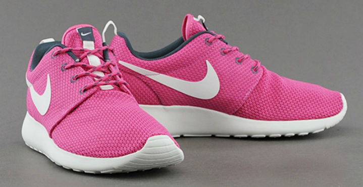 NIKE-WMNS-ROSHE-RUN-COTTON-CANDY
